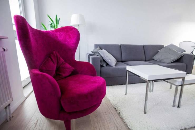 Living room by MGN Pracownia Architektoniczna
