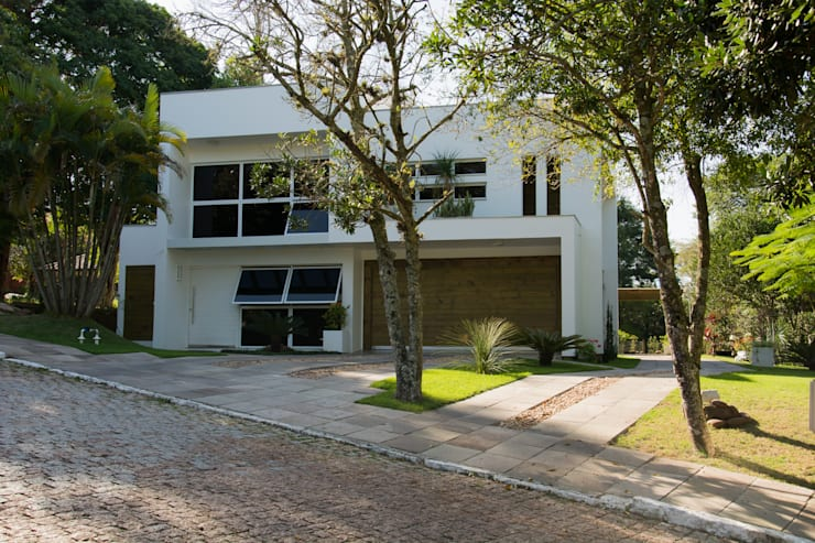 modern Houses by HAPPY Arquitetura