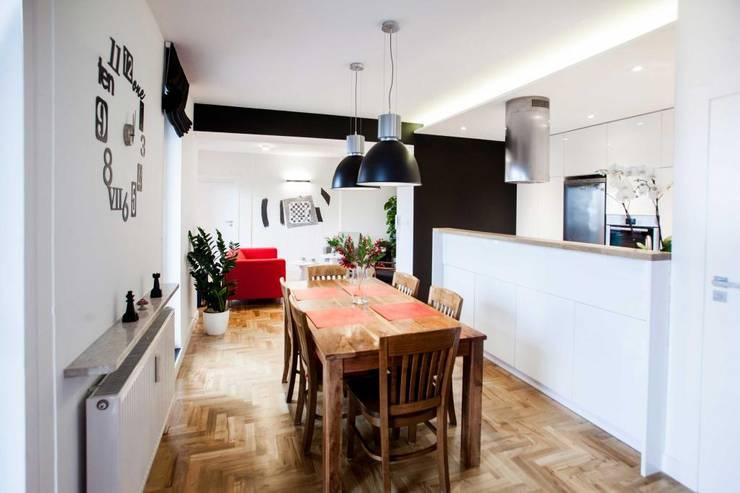 Realizacja 6: styl , w kategorii Jadalnia zaprojektowany przez MGN Pracownia Architektoniczna