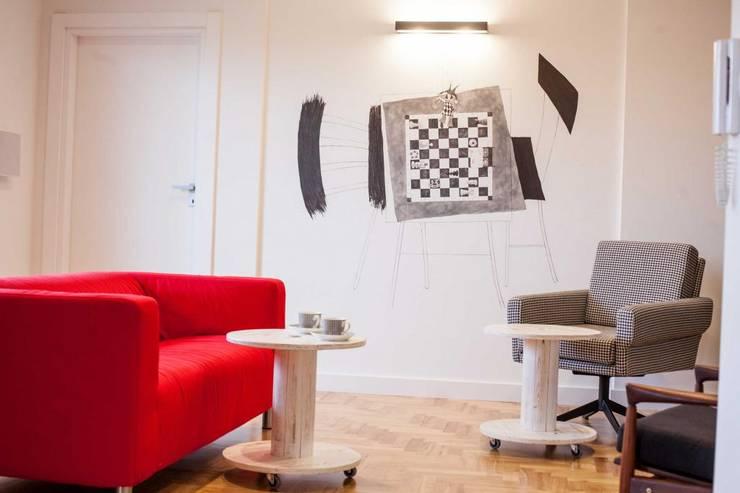 Realizacja 6: styl , w kategorii Salon zaprojektowany przez MGN Pracownia Architektoniczna
