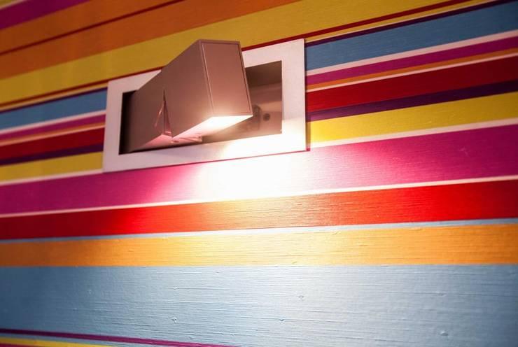 Realizacja 6: styl , w kategorii Ściany zaprojektowany przez MGN Pracownia Architektoniczna