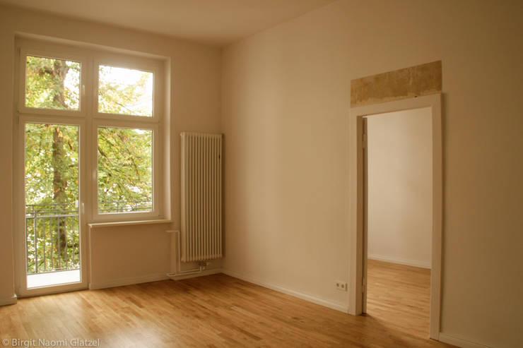 """""""Wohnung A & P"""":  Wohnzimmer von Birgit Glatzel Architektin"""