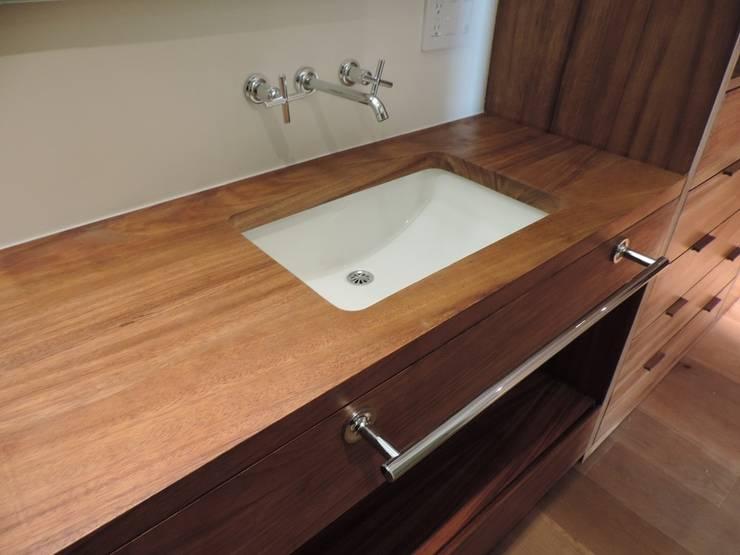 Carpintería de obra y mobiliario. : Baños de estilo  por Spazio Interior