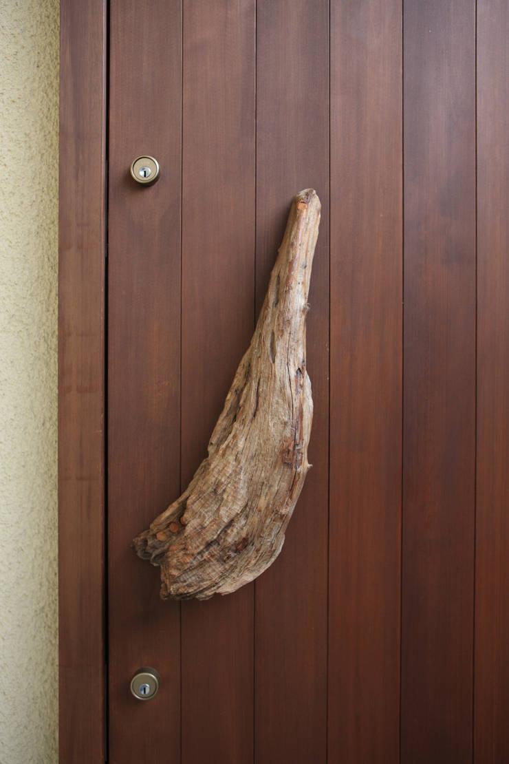 茨木の家: 株式会社 atelier waonが手掛けた窓です。,