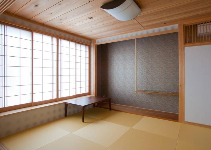 香芝の家: 株式会社 atelier waonが手掛けた和室です。