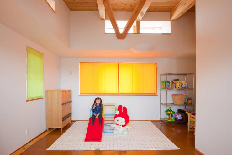 香芝の家: 株式会社 atelier waonが手掛けた子供部屋です。