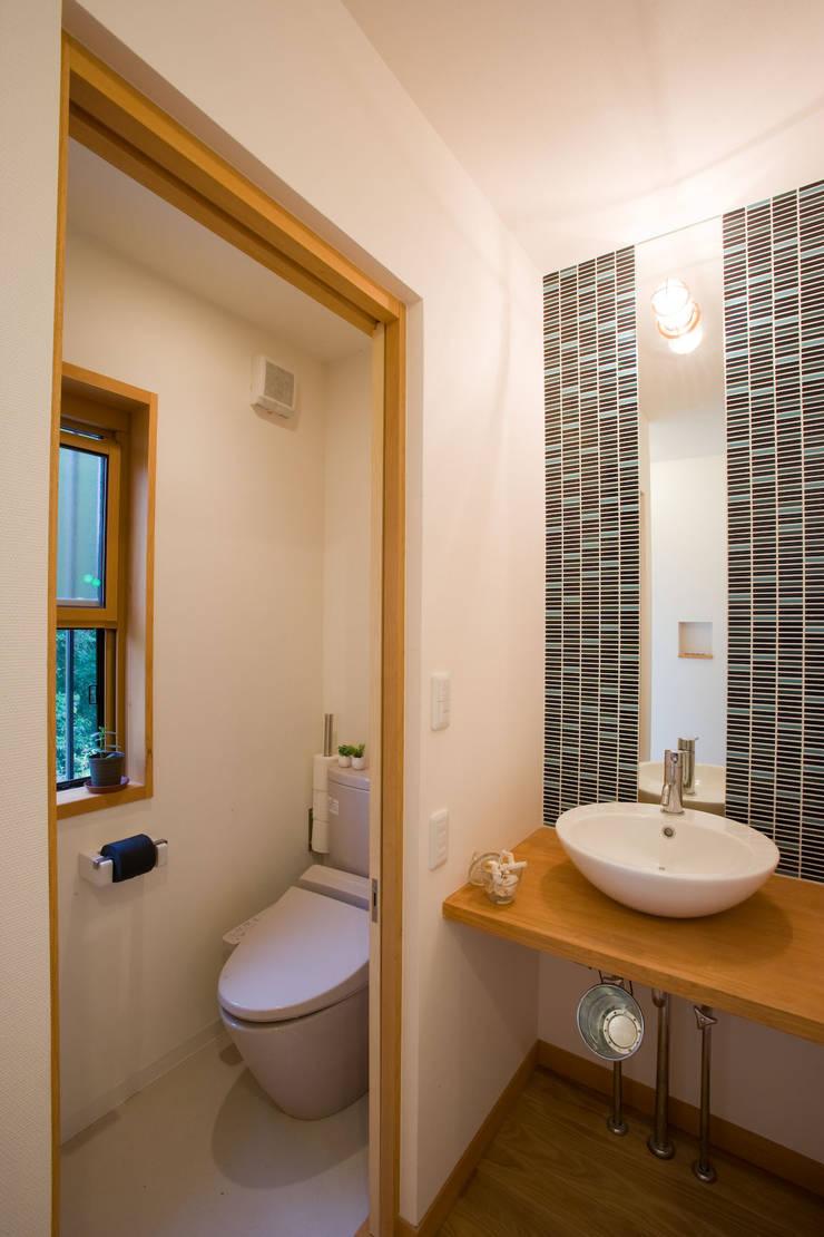 五條の家: 株式会社 atelier waonが手掛けた浴室です。