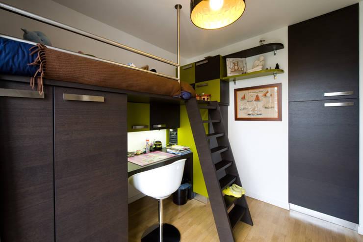 modern Study/office by LA CUISINE DANS LE BAIN SK CONCEPT