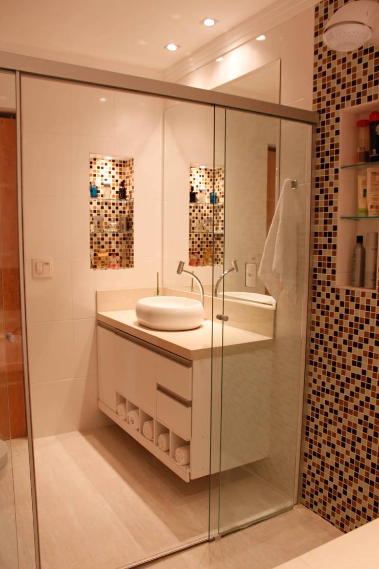 Banho Social: Banheiros  por Studio Meraki Arquitetura e Design,Clássico