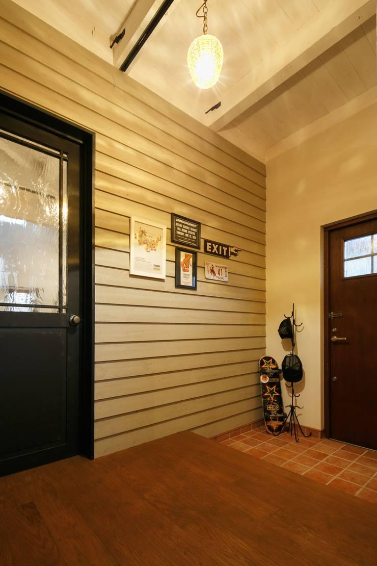 I's HOUSE: dwarfが手掛けた廊下 & 玄関です。,