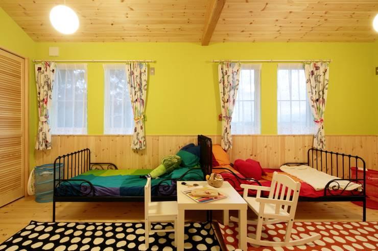 Habitaciones infantiles de estilo  por dwarf