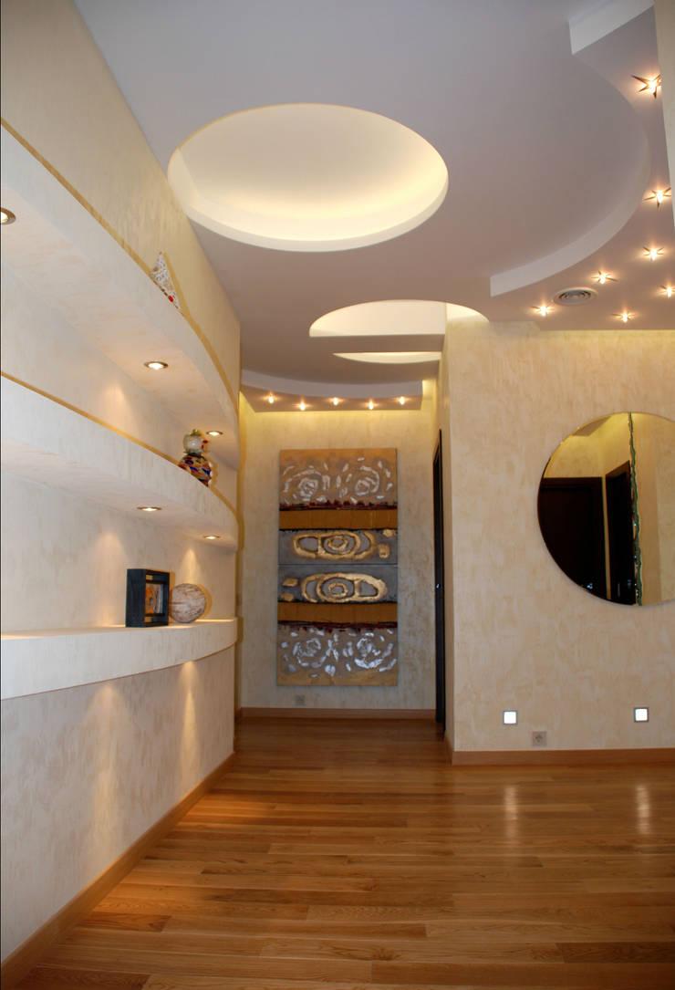 Квартира на Ружейном: Коридор и прихожая в . Автор – Дизайн-студия «ARTof3L»