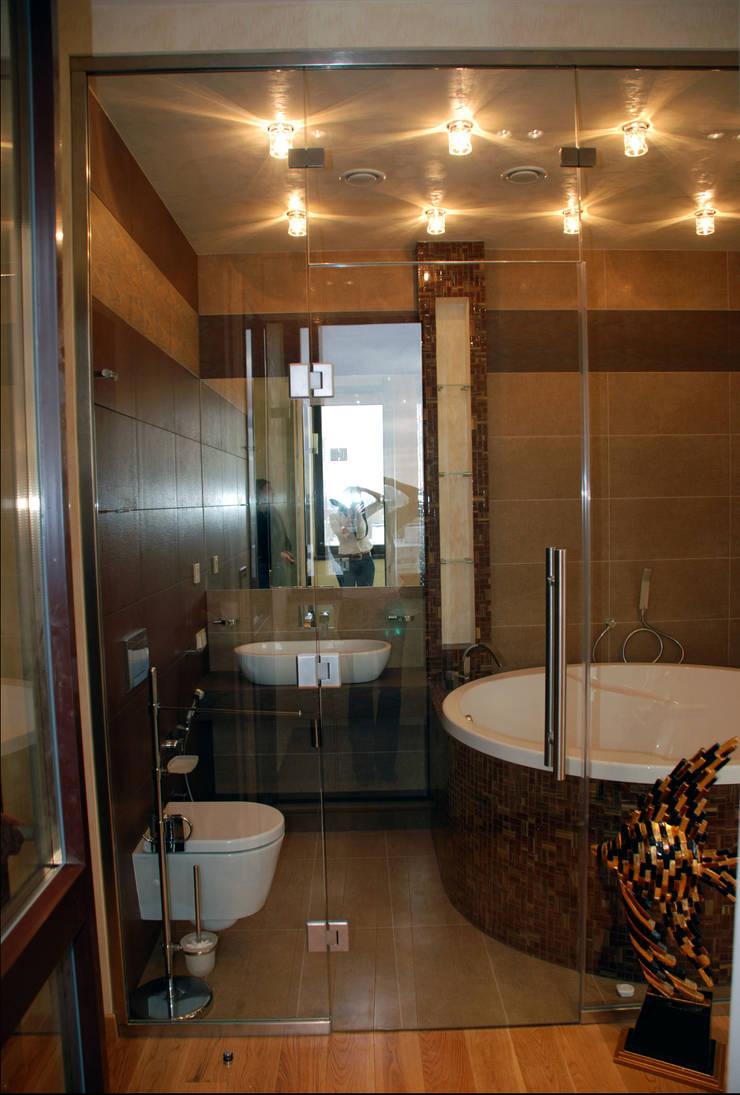 Квартира на Ружейном: Ванные комнаты в . Автор – Дизайн-студия «ARTof3L»