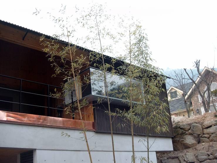 경기도 양평 5호 : 팀버하우스의  주택,