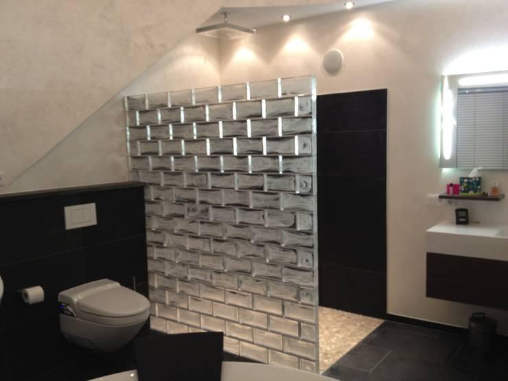 Bathroom by Rimini Baustoffe GmbH