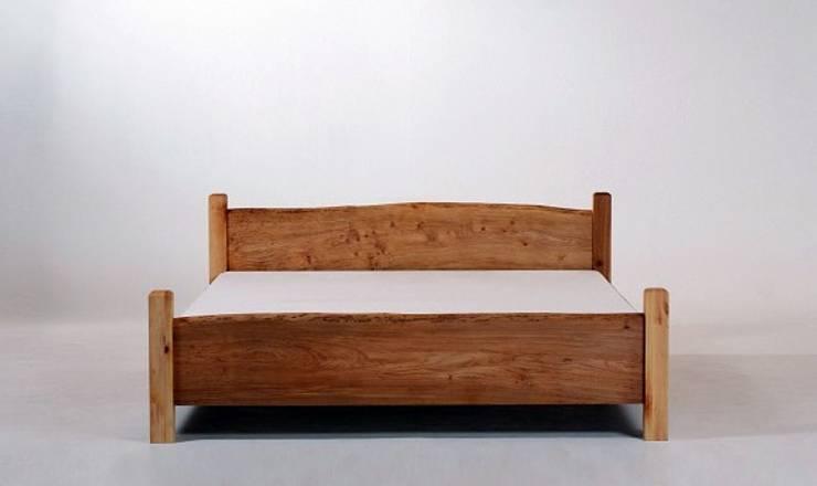 MAZZIVO bed COUNTRY - solid oak wood: styl , w kategorii Sypialnia zaprojektowany przez mazzivo konzept + gestaltung przemysław mitręga