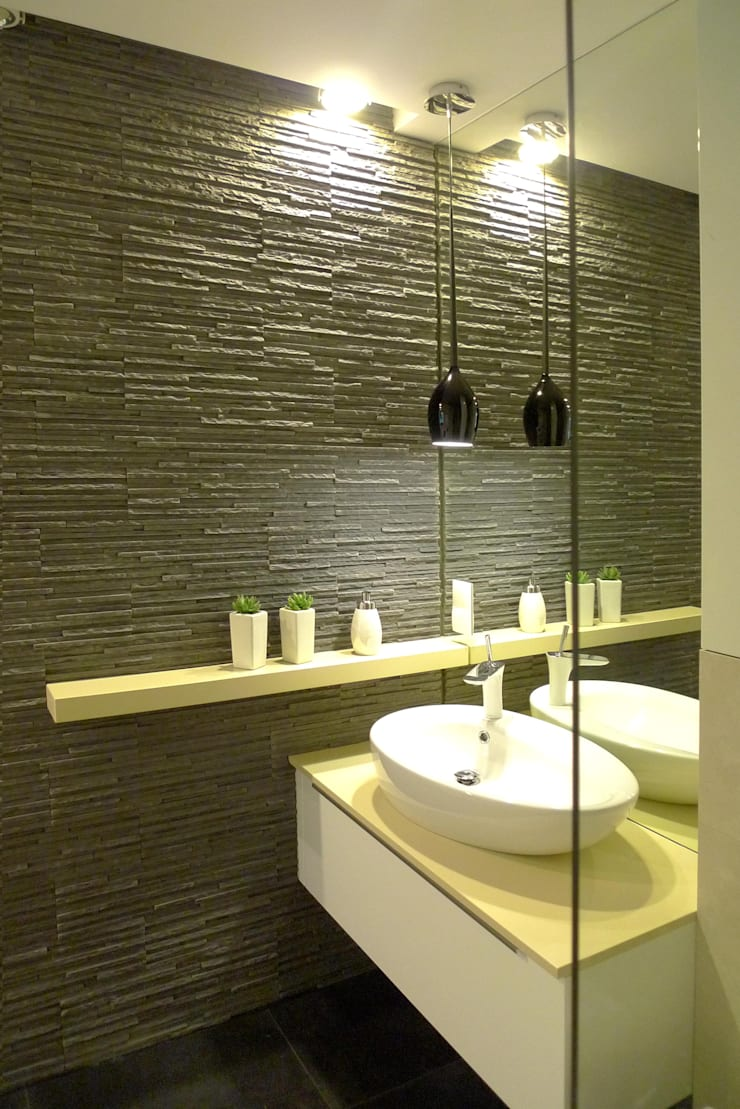 sypialnia z łazienką : styl , w kategorii Łazienka zaprojektowany przez Archomega
