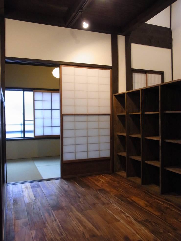 2階(after): Bee design factory  一級建築士事務所が手掛けたです。