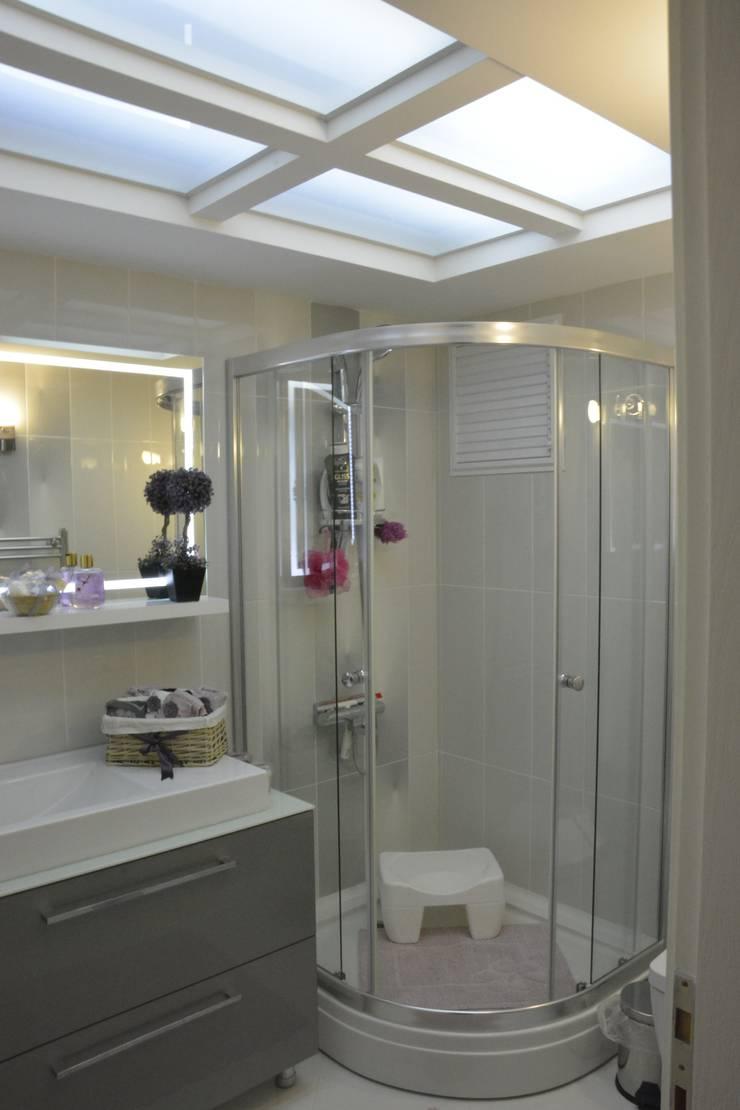 ACS Mimarlık – İzmir Mimkent'te Yeni Bir Yaşam Projesi:  tarz Banyo, Modern