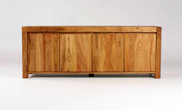 MAZZIVO commode 4.2 - solid cherry wood: styl , w kategorii Salon zaprojektowany przez mazzivo konzept + gestaltung przemysław mitręga