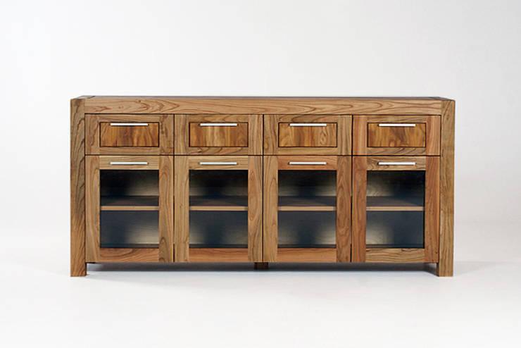 MAZZIVO commode 5.2 - solid cherry wood: styl , w kategorii  zaprojektowany przez mazzivo konzept + gestaltung przemysław mitręga,Nowoczesny Drewno O efekcie drewna
