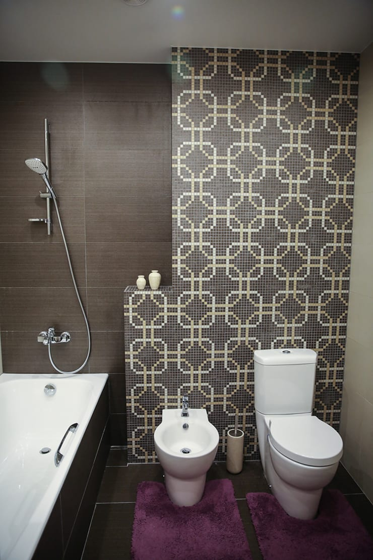 Таунхаус <q>Лесные поляны</q>: Ванные комнаты в . Автор – Designer Olga Aysina