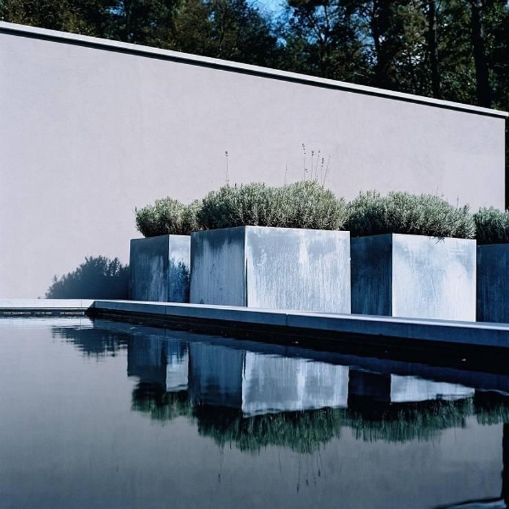 pots de fleurs by so garden homify. Black Bedroom Furniture Sets. Home Design Ideas