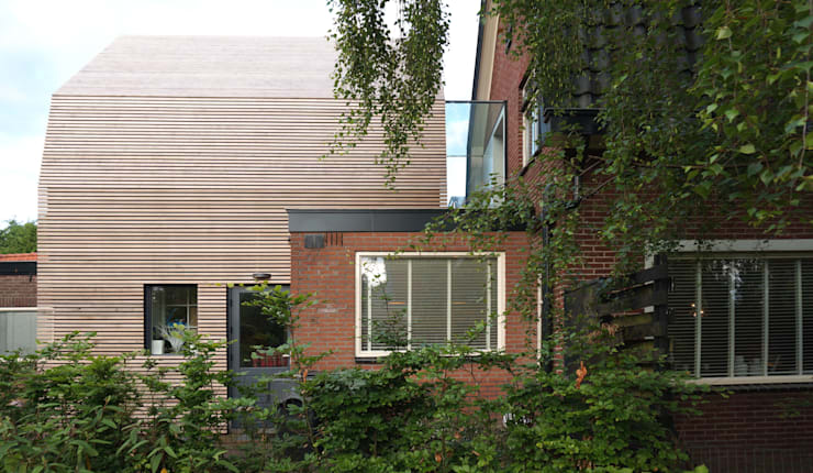 2 slaapkamers op bestaande uitbouw:  Kinderkamer door Raymond Horstman Architecten BNA