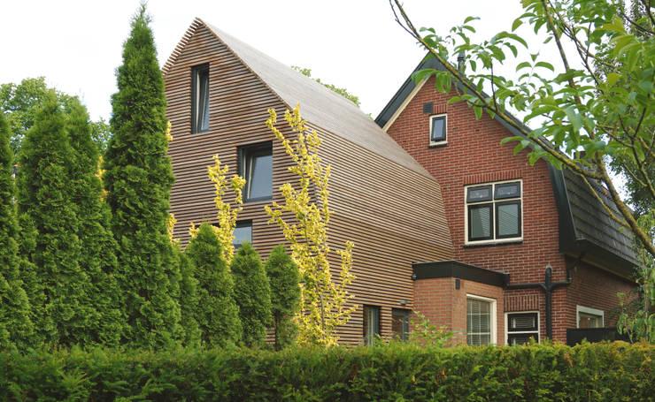 dakopbouw op bestaand bijgebouw:  Kinderkamer door Raymond Horstman Architecten BNA