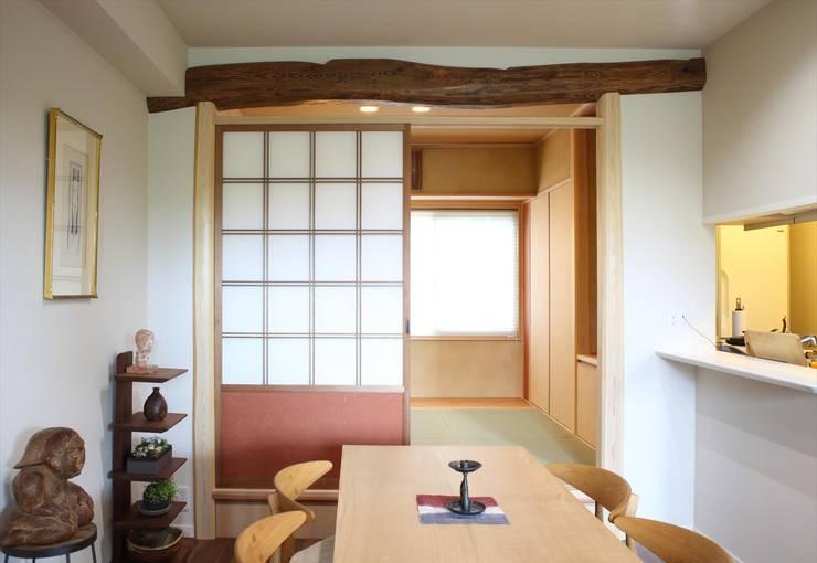 千里のお茶の間: アーキスタジオ 哲 一級建築士事務所が手掛けた和室です。