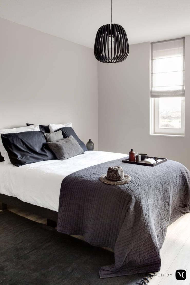 rijswijk buiten:  Slaapkamer door Mariska Jagt Interior Design, Modern
