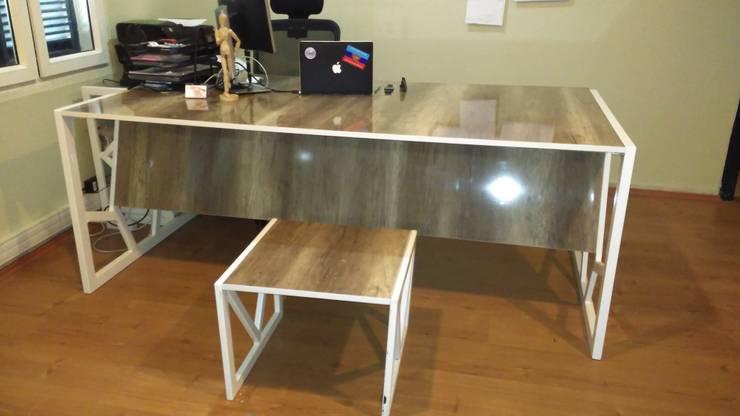 Tam Design – Fiskos masası:  tarz Ofis Alanları & Mağazalar