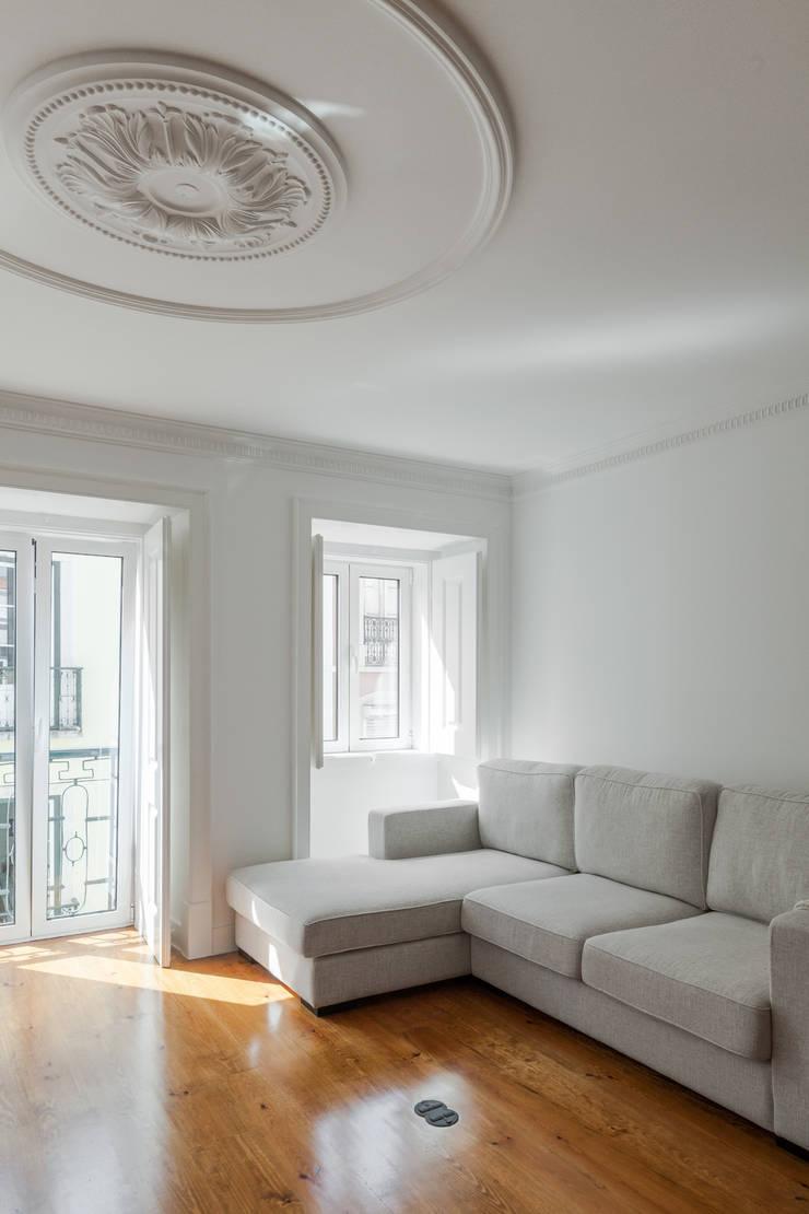 Salones de estilo minimalista de Vanessa Santos Silva | Arquiteta Minimalista