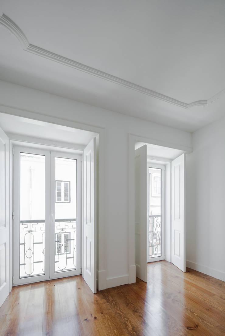 Спальни в . Автор – Vanessa Santos Silva | Arquiteta, Минимализм