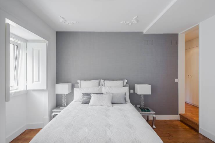 Apartamento São Caetano: Quartos minimalistas por Vanessa Santos Silva | Arquiteta