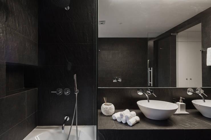 Bathroom by Vanessa Santos Silva | Arquiteta
