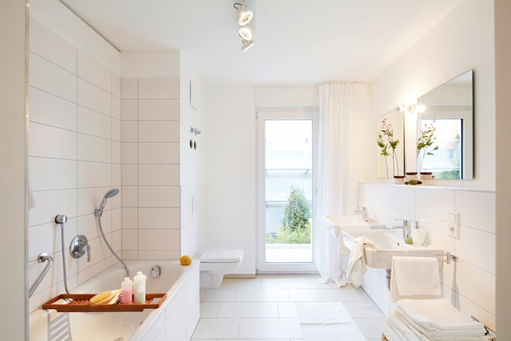 Baños de estilo  por Home Staging Bavaria