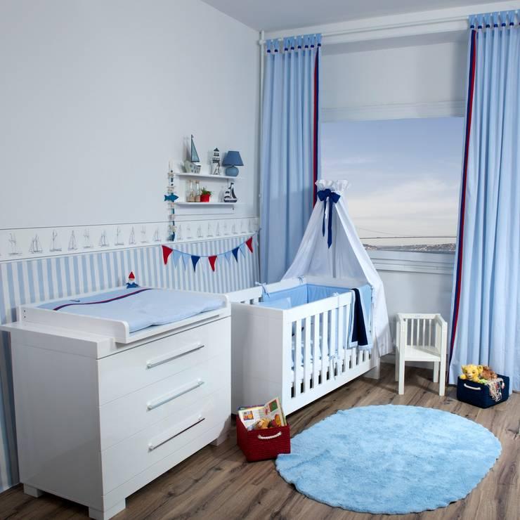 Chambre d'enfants de style  par Kidsroomstyle/KRS-Design