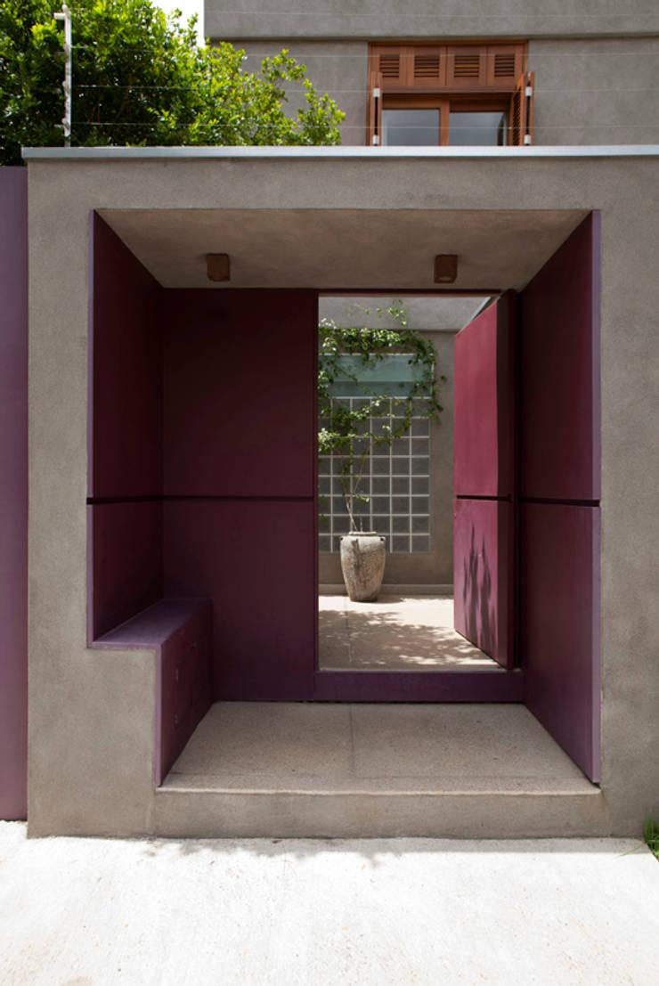 Casa Santa Cristina: Casas  por Bruschini Arquitetura