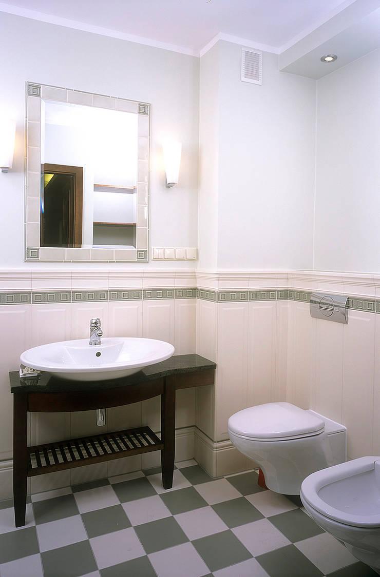 Apartament w Sopocie: styl , w kategorii Łazienka zaprojektowany przez Grafick sp. z o. o.,Klasyczny