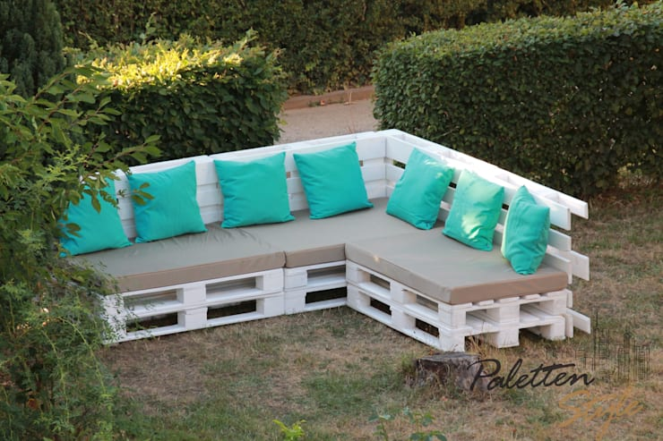 sitzgruppe aus paletten lounge aus paletten with. Black Bedroom Furniture Sets. Home Design Ideas