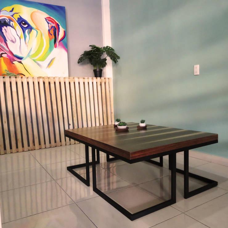 Mesa de centro : Sala multimedia de estilo  por Diseñería 72ocho10