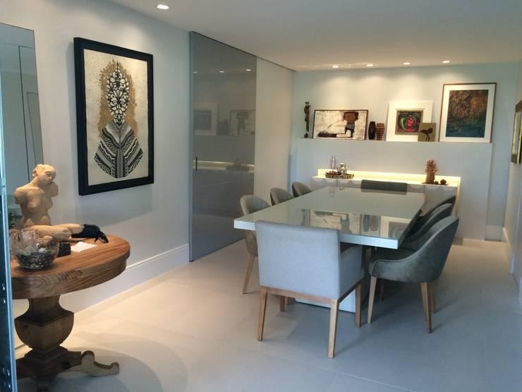 Residencial Golf: Salas de jantar  por Cecília Avena Designer de Interiores