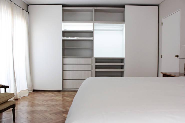 Departamento Cavia: Dormitorios de estilo  por DDC.ARQ