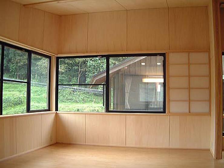 岩波の家: 有限会社 矢萩浩次設計事務所が手掛けたです。,