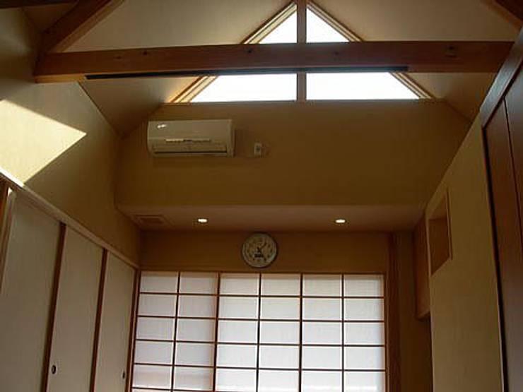 荒町の家: 有限会社 矢萩浩次設計事務所が手掛けたです。,