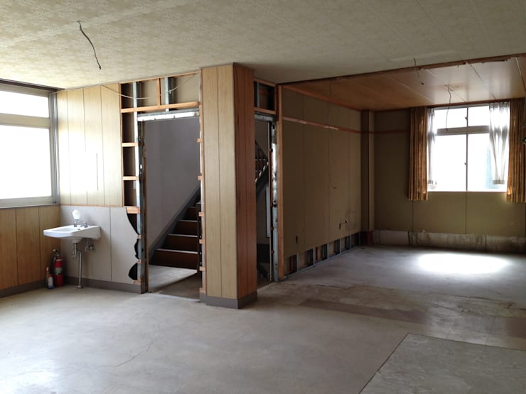 【Before】 入口のすぐ隣の和室は、シューズクロークと水回りに。: 拡運建設株式会社が手掛けたです。
