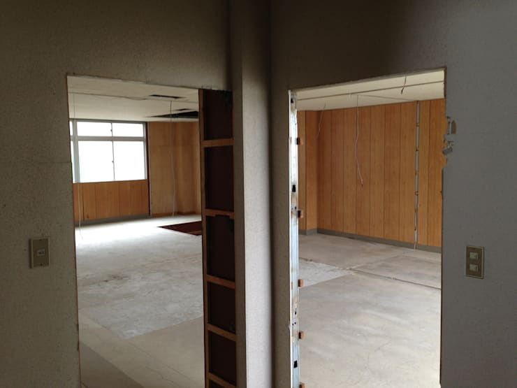 【Before】 玄関から屋内を見た様子。: 拡運建設株式会社が手掛けたです。