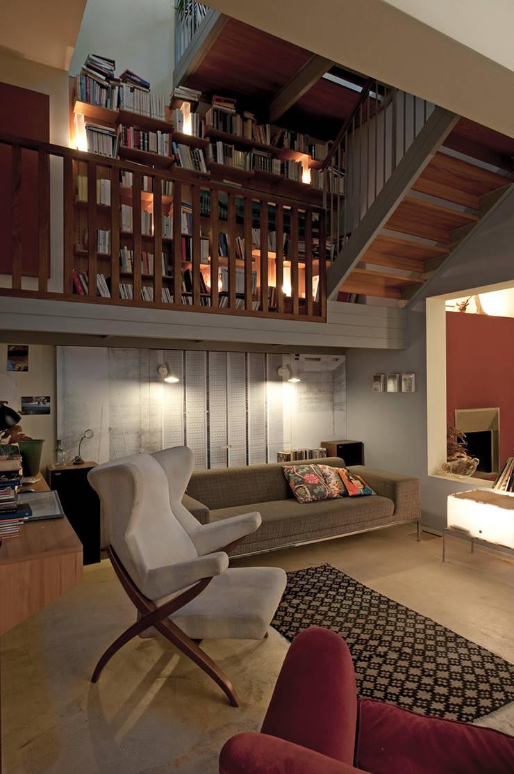 Salon de style  par Bongiana Architetture, Moderne