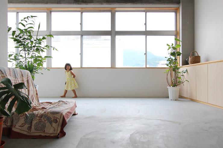 ヒョウタン: 今津修平/株式会社MuFFが手掛けたベランダです。